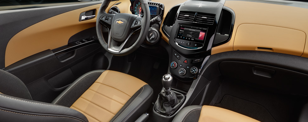 Chevrolet sonic ls sedan interior image gallery pictures photos for 2017 chevrolet sonic sedan interior