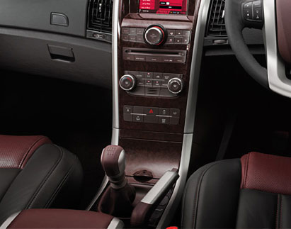 mahindra xuv 500 w8 4wd interior image gallery pictures photos. Black Bedroom Furniture Sets. Home Design Ideas
