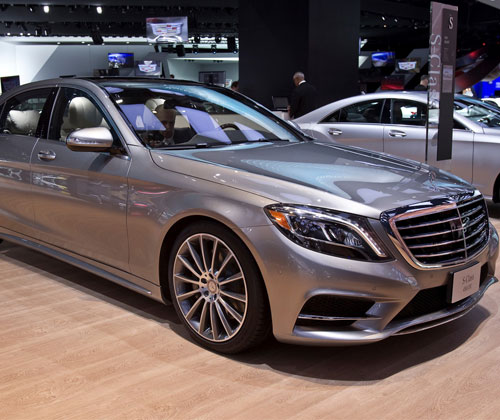 Mercedes benz s600 guard launched in india at rs 8 9 crore for Mercedes benz guard for sale